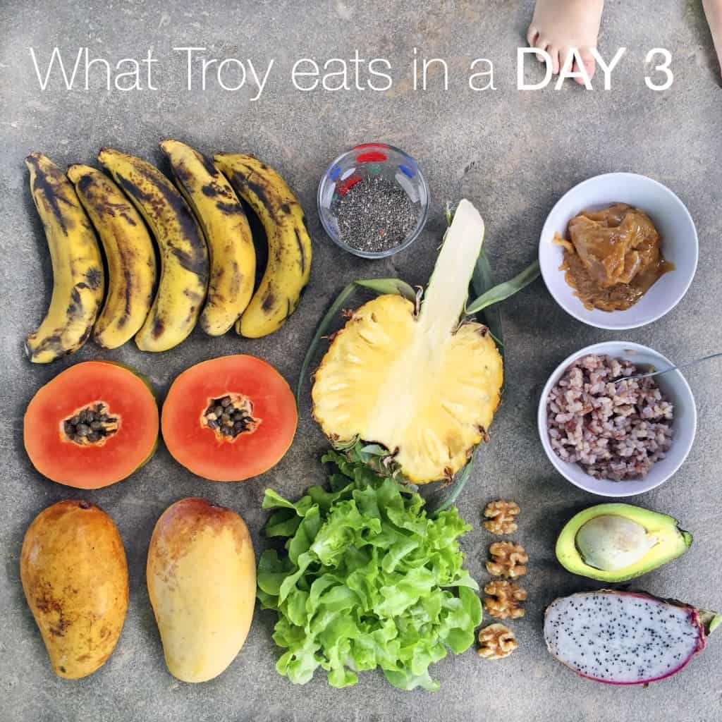 What Troy eats on a random day 3 (in Thailand)